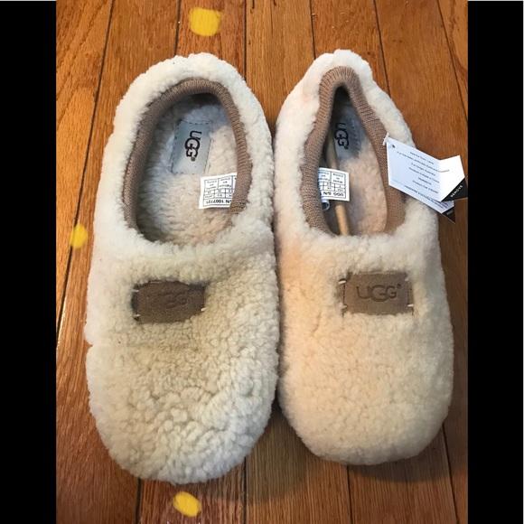8672873c2e2 UGG Birch slippers NWT
